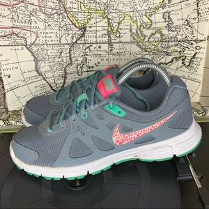 Nike Revolution 2 Mid Top Mesh Sneakers Womens 9